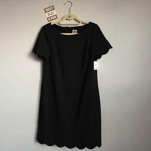 🆕 {Anne Klein}  Black Scalloped Trimmed Dress